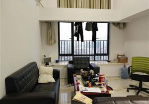 精装复式三房 独立厨房 户型方正 买一层送一层