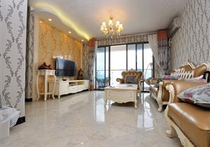 双阳台南北通户型、豪华装修,天台360度全景观