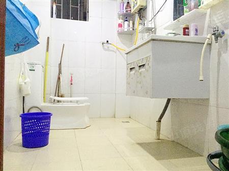 宝安海滨城广场-卫生间
