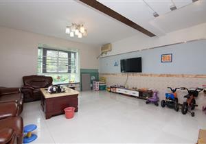标准大复式,小区环境好,全新装修,看房方便