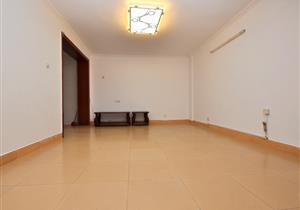 大四房 均价3万4 满两年 看房方便 有钥匙