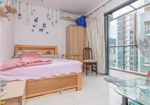 带阳台单身公寓 高楼层采光好 金水湾位置中心