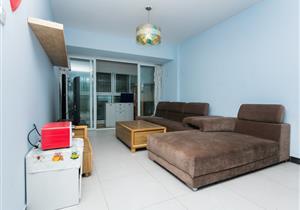 77平两房 客厅卧室双出阳台 朝南