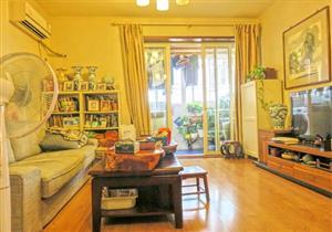 嘉隆星苑大2房,客厅出阳台,业主自住,诚意出售