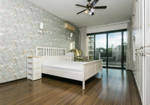 中信红树湾带中庭花园4房家私家电齐全租26000
