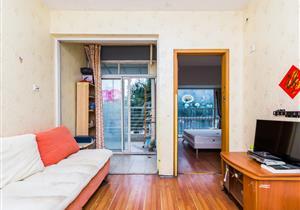 城投青莲公寓,稀缺1房1厅放租,家电齐全,拎包入住。