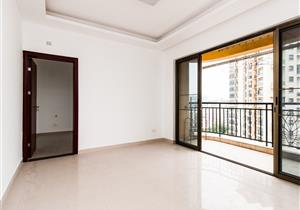 豪装2 房2厅1卫,户型朝南,满2 年业主急售。